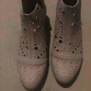 Shoes - ‼️SOLD ‼️Really cute perforated booties